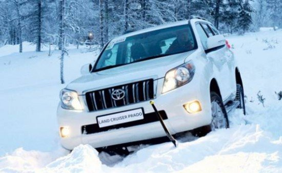 Toyota Land Cruiser Prado: на зимней дороге