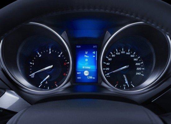 панель Toyota Avensis 2016