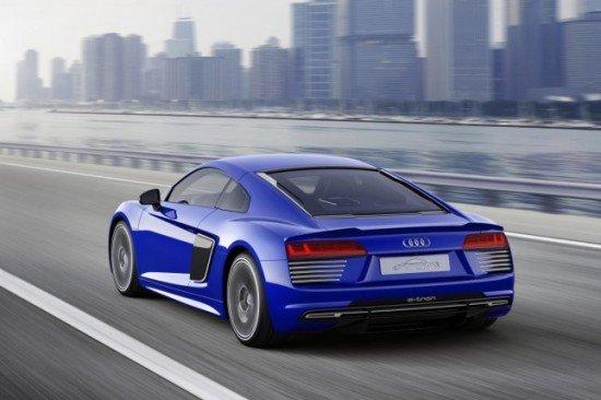 Беспилотный Audi R8 e-tron