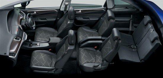 Салон новой Honda Jade RS
