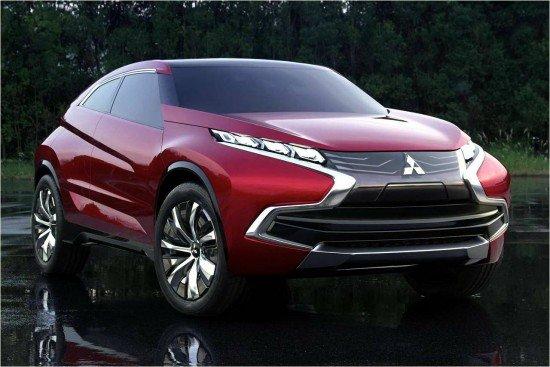 Красный Mitsubishi XR-PHEV II Concept. Вид спереди.
