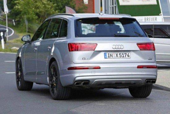 Новая Audi SQ7 на тестах