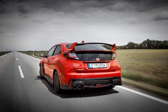 Honda Civic Type R 2015. Вид сзади.
