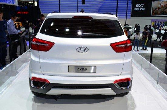 Hyundai ix25 Concept. Задний вид.