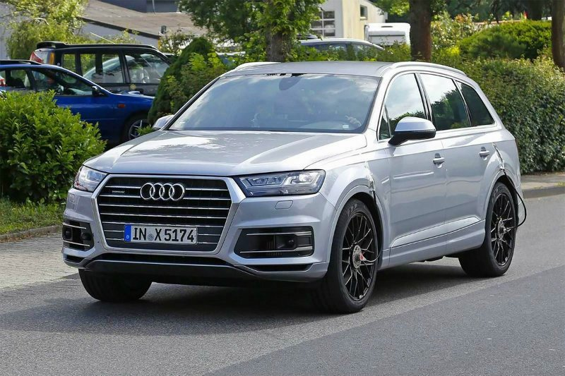 Audi SQ7 во время тестирования в Европе