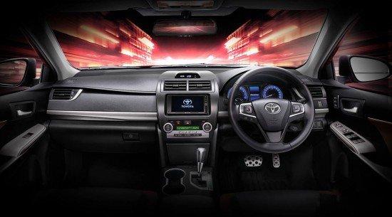 Приборная панель Toyota Camry ESport 2016
