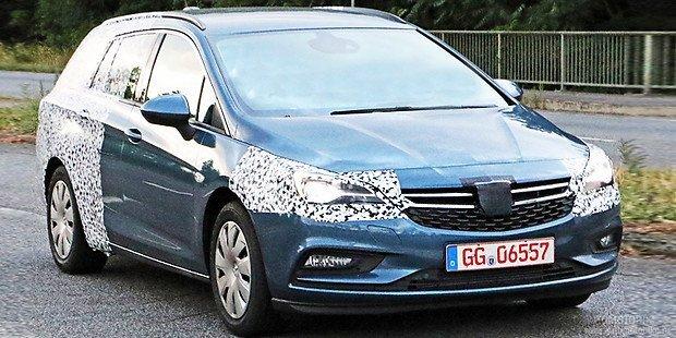 Новый Opel Astra Sports Tourer 2016 в небольшом камуфляже