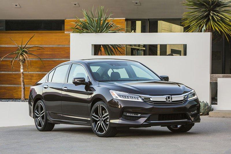 Новая Honda Accord 2016, вид спереди