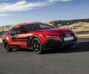 Беспилотный Audi RS7 на трассе