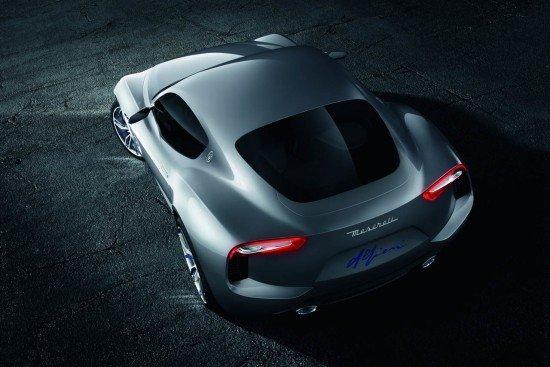 Концепт Maserati Alfieri цвета металлик, вид сверху