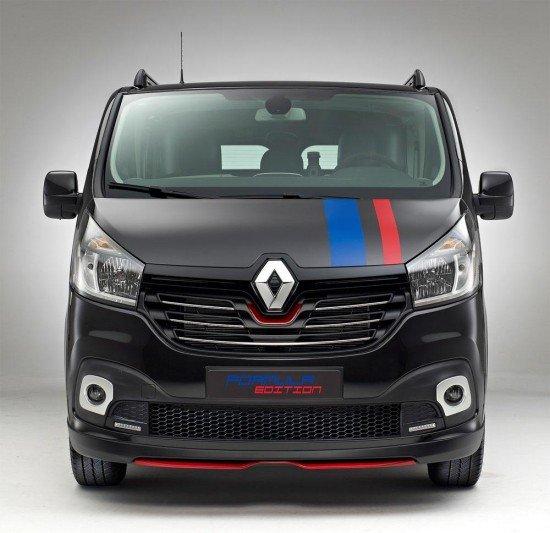 Renault Trafic Formula Edition черного цвета, вид спереди