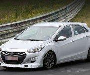 Hyundai i30 N белого цвета, вид спереди
