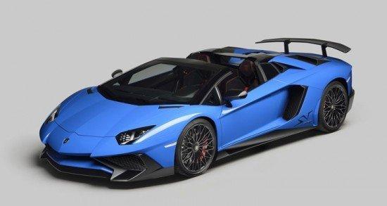 Lamborghini Aventador LP 750-4 Roadster синего цвета, вид сбоку