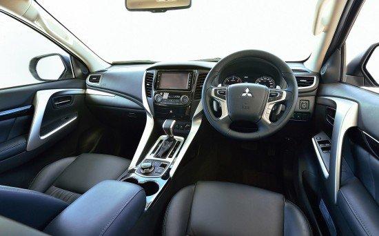 Новый Mitsubishi Pajero Sport 3, приборная панель