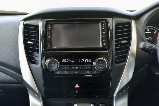 Новый Mitsubishi Pajero Sport 3, центральная консоль