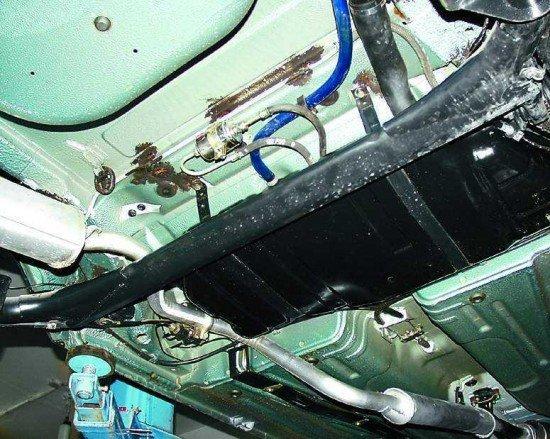 Этап замены троса ручника ВАЗ 2110