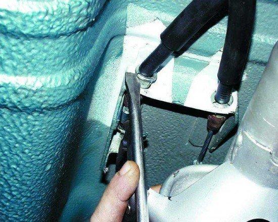 Трос сцепления на ВАЗ 2110