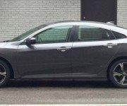 Honda Civic X серого цвета, вид сбоку