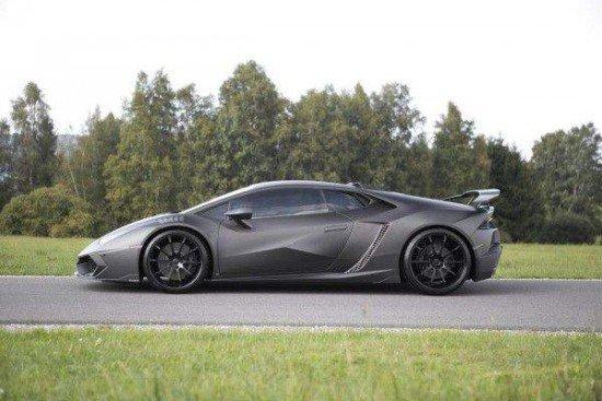 Lamborghini Huracan тёмно-серого цвета, вид сбоку