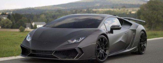 Lamborghini Huracan серого цвета, вид спереди