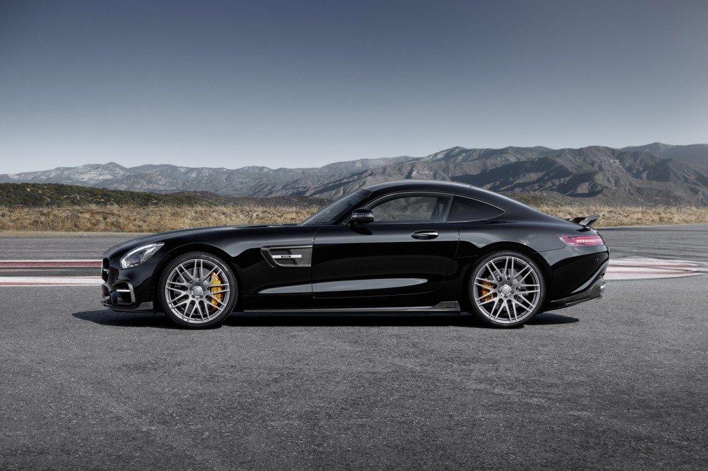 Mercedes-AMG GT S Brabus чёрного цвета, вид сбоку