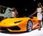 Автошоу во Франкфурте, Lamborghini Huracan Spyder оранжевого цвета, вид спереди
