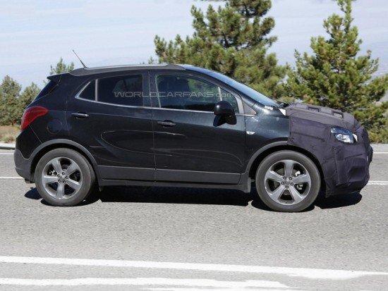 Новый Opel Mokka на тестах, вид сбоку