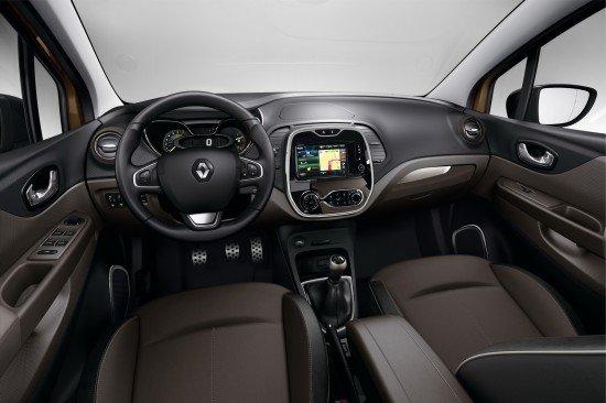 Салон Renault Captur Hypnotic, передние сиденья и приборная панель