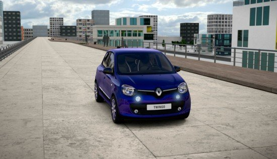 Renault Twingo Cosmic цвета Ultraviolet, вид спереди