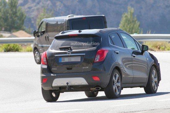 Новый Opel Mokka на тестах, вид сзади