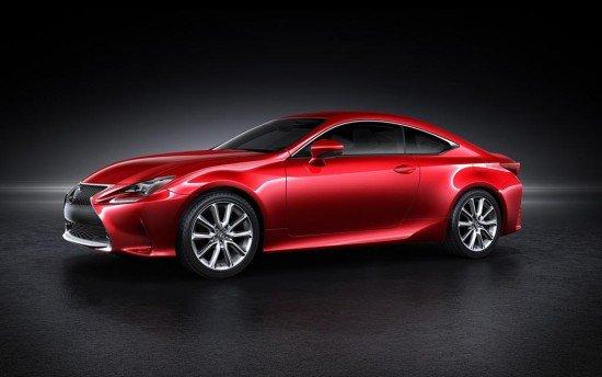 Lexus RC Coupe красного цвета, вид сбоку