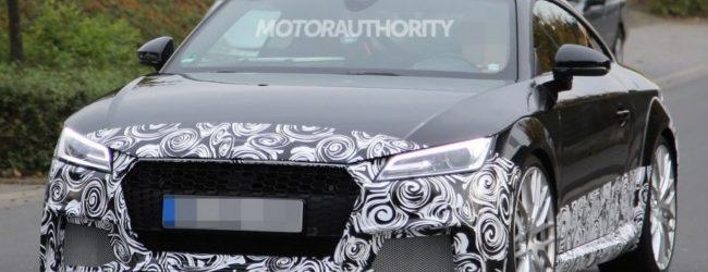 Audi TT RS 2017 в камуфляже, вид спереди