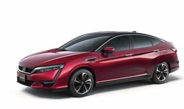 Honda FCV красного цвета, вид сбоку