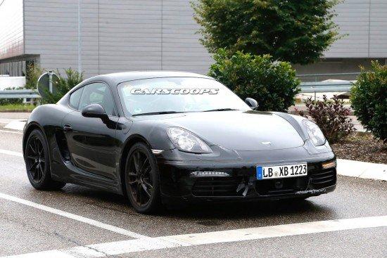Porsche Cayman чёрного цвета, вид спереди