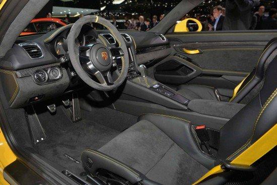 Салон Porshe Cayman GT4