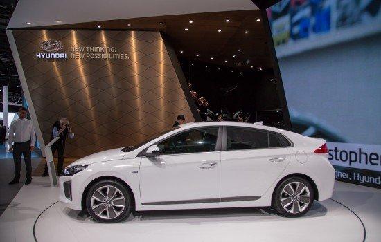 Hyundai Ioniq, вид сбоку