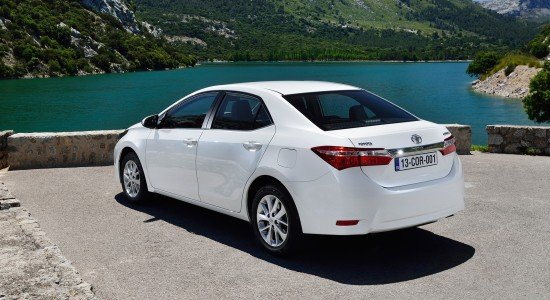 Toyota Corolla, вид сзади