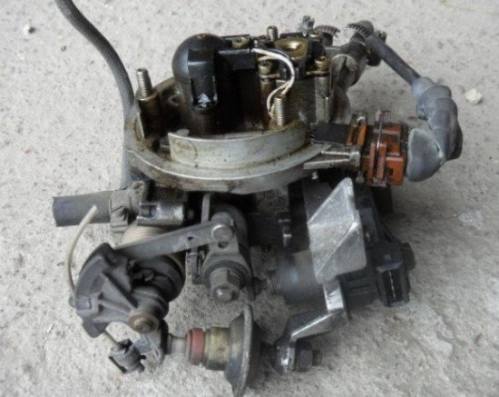 Моновпрыск автомобиля Volkswagen Passat B3