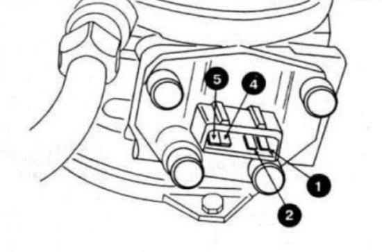 Схема контактов в разъёме заслонки на Volkswagen Passat B3