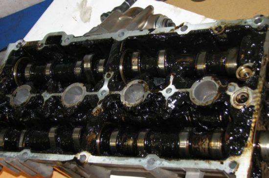 Загустевшее масло в моторе ВАЗ 2107