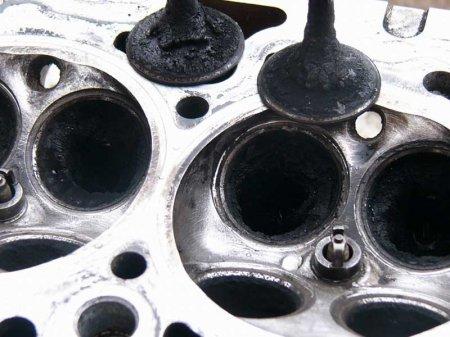 Седло клапана двигателя