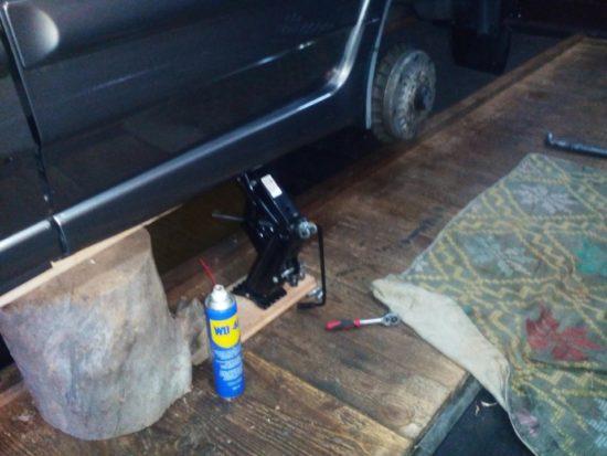 Замена задних тормозных колодок ВАЗ 2114