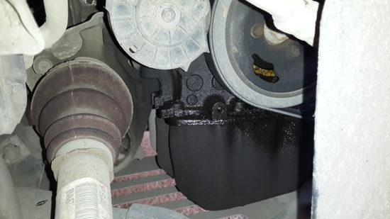 Подтекание масла под двигателем