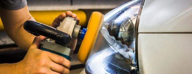 Полировка фары шлифовальной машинкой