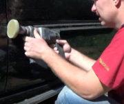 Зачистка поверхности двери