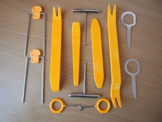 Инструменты для демонтажа магнитол