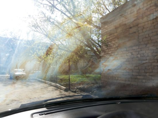 Маслянистый налёт на лобовом стекле