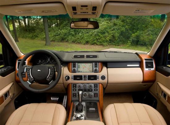 Салон автомобиля Range Rover