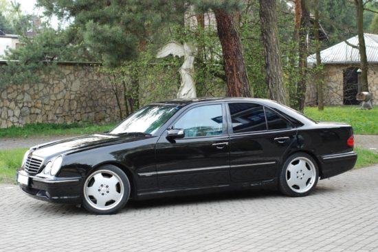 Mercedes 210