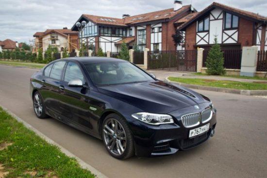 Автомобиль BMW 5